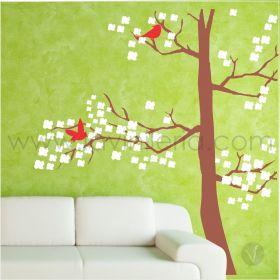 Árbol con aves